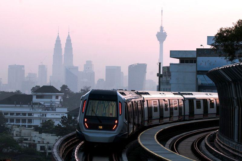 Bajet 2019 : Pas Bulanan Pengangkutan Awam RM100 Tanpa Had