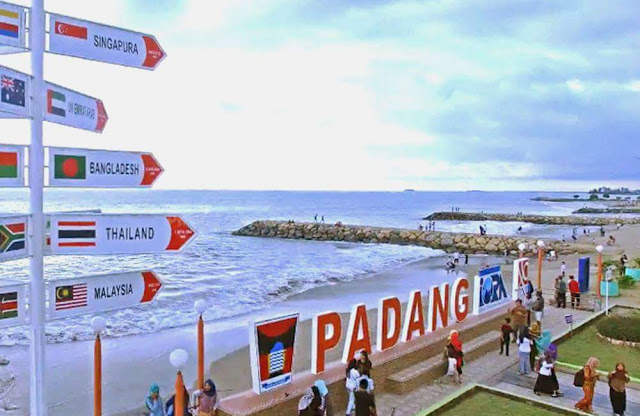 Ada Apa Di Padang, Indonesia ?